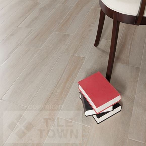 Darwin Arena Porcelain Floor tile - Reproduction of real wood