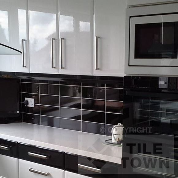 Kitchen With Black Tiles: Lisso Brillo Black Kitchen Wall Tile