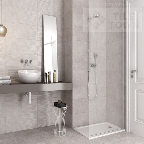 Bay perla range within a bathroom setting